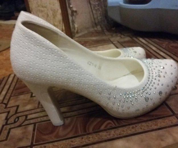 Туфли белые. Фото 2. Астрахань.