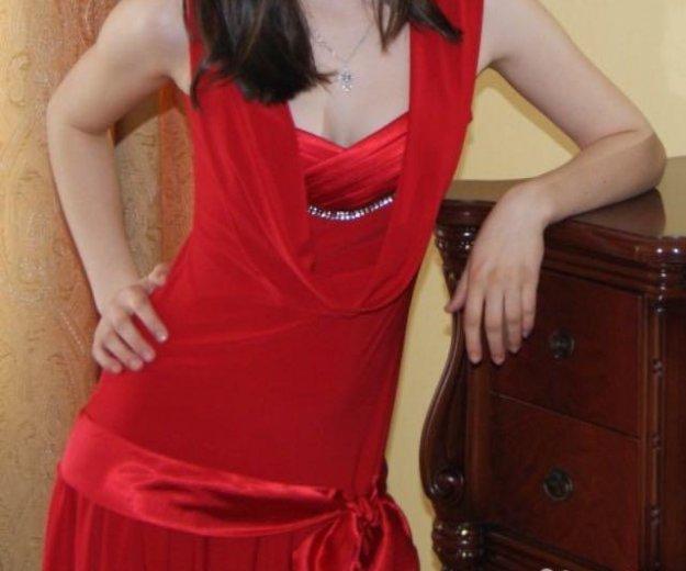 Красное платье. Фото 1. Пенза.