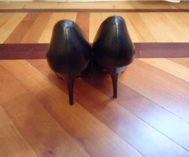 Туфли черные кожаные 36 размер. Фото 2. Москва.