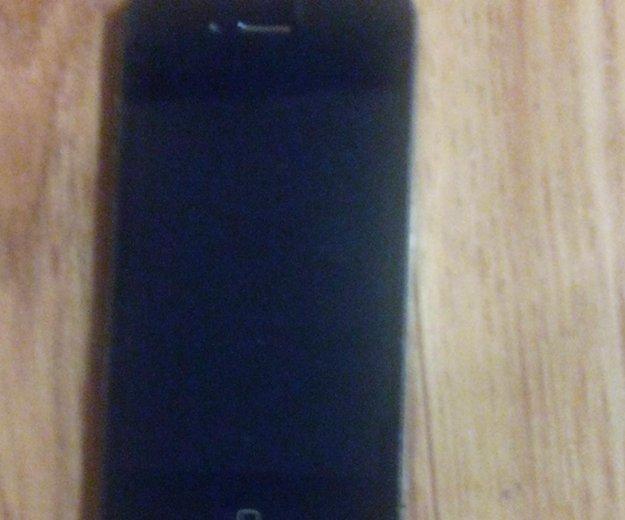 Продам iphone 4 32gb (с чехлами). Фото 1.