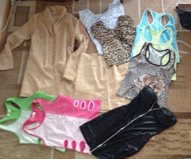 Женская одежда пакетом. Фото 1.