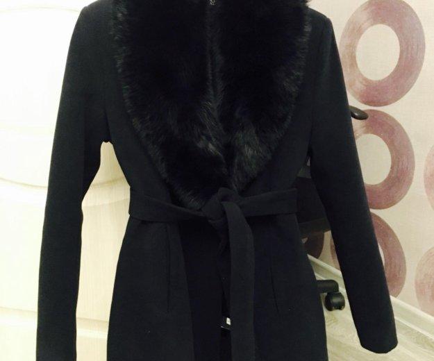 Новое пальто с натуральным мехом. Фото 1.