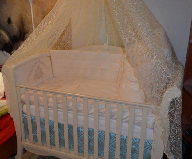 Комплект в кроватку с балдахином и бортами. Фото 4.