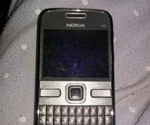 Nokia e72. Фото 1.
