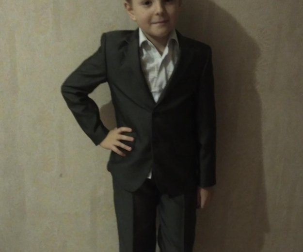 Школьный костюм( серый)+ в подарок рубашки ... Фото 1. Лобня.