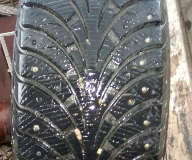 Зимняя резина goodyear  r16. Фото 4.