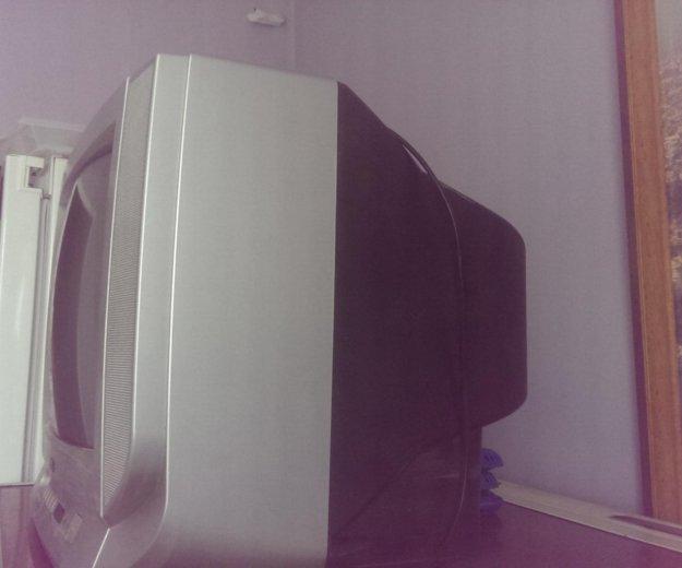Телевизор. Фото 2. Ковров.