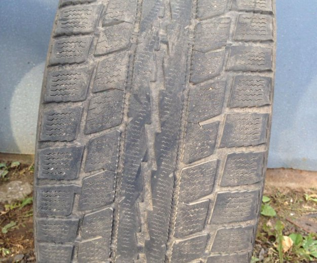 Резина зимняя 225 45 r17 dunlop graspic ds 2. Фото 4. Москва.