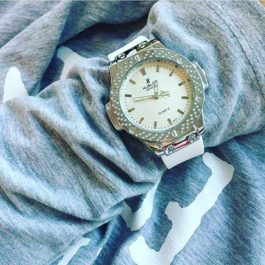 Часы очень стильные на заказ. Фото 1. Когалым.