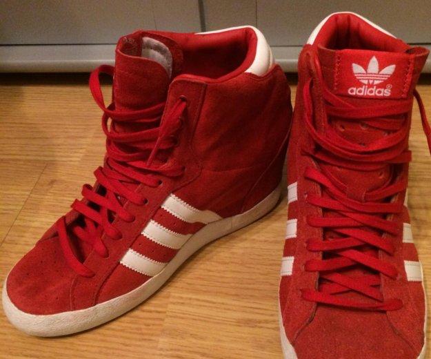 Кроссовки adidas. Фото 1. Краснослободск.