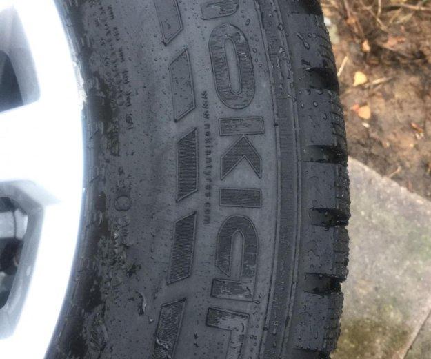 Комплект зимних шин на оригинальных дисках toyota. Фото 1. Подольск.
