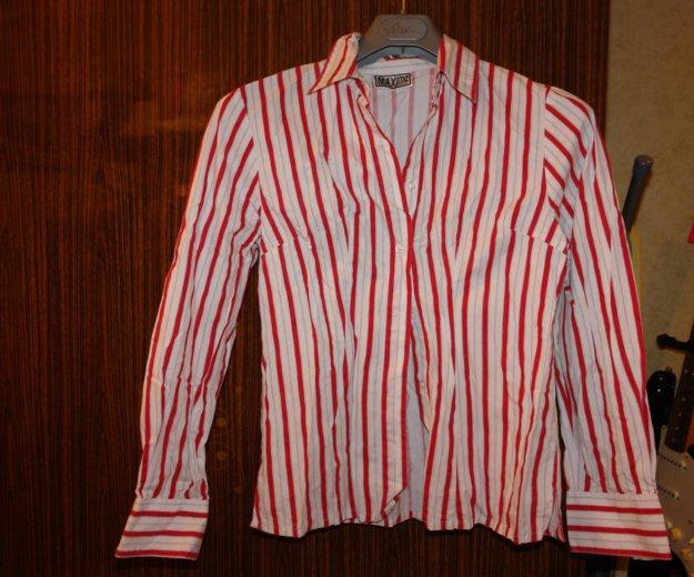 Белая рубашка свободного кроя в красную полосу. Фото 1. Мытищи.
