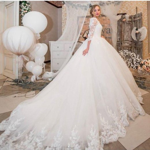Свадебное платье со шлейфом. Фото 1. Орел.