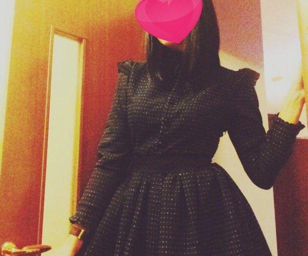 Платье в идеальном состоянии. Фото 1.