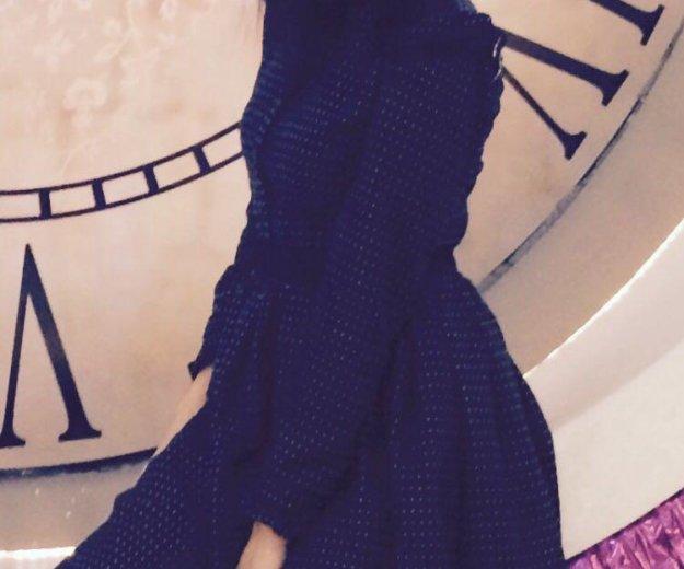 Платье в идеальном состоянии. Фото 2.