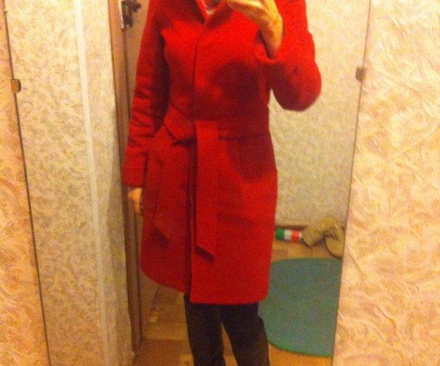 Пальто красное драповое. Фото 1. Ижевск.