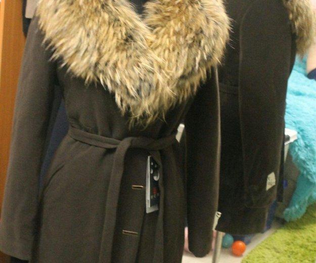 Зимнее пальто с шикарным натуральным мехом новое. Фото 1. Санкт-Петербург.