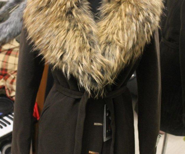 Зимнее пальто с шикарным натуральным мехом новое. Фото 2. Санкт-Петербург.