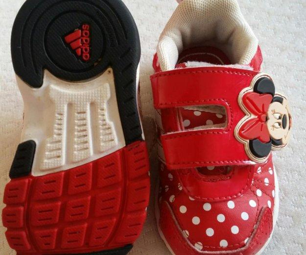 Кроссовки adidas минни 20р и шапочка. Фото 2. Рыбное.