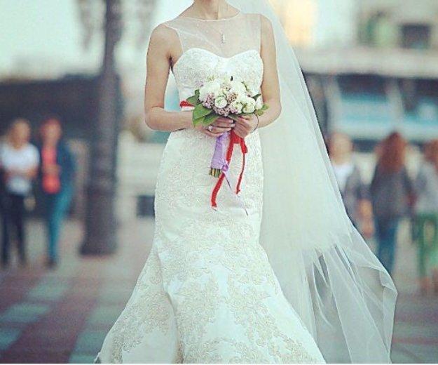 Свадебное платье oleg cassini со шлейфом. Фото 4. Москва.