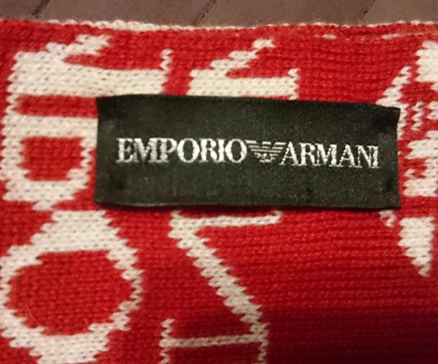 Комплект emporio armani шарф и шапка. оригинал. Фото 4.