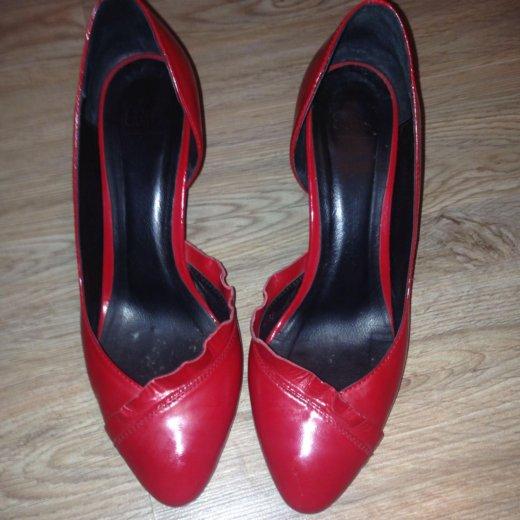 Красные туфли. Фото 1. Астрахань.