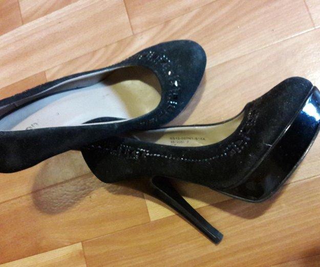 Чёрные туфли на шпильке. Фото 1. Москва.