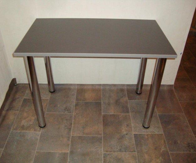 Новый стол для кухни. Фото 1.