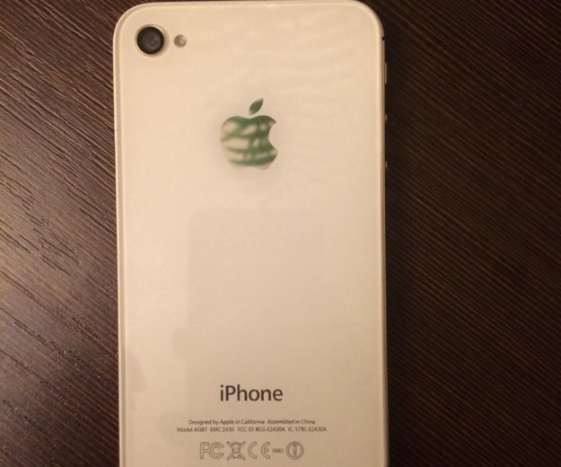 Iphone 4s. Фото 2.