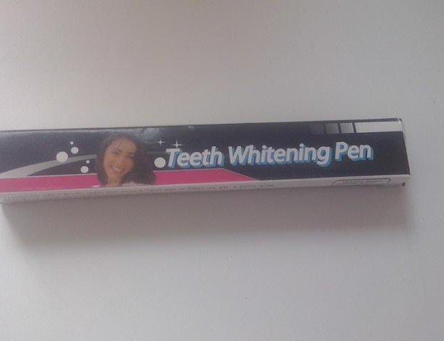 Карандаш для отбеливания зубов. Фото 1. Уссурийск.