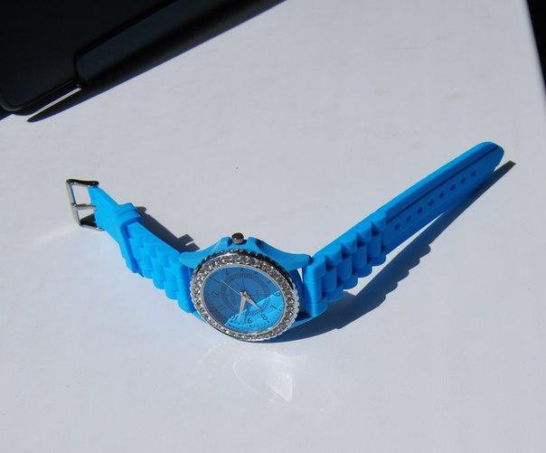 Голубые часики. Фото 2. Сургут.