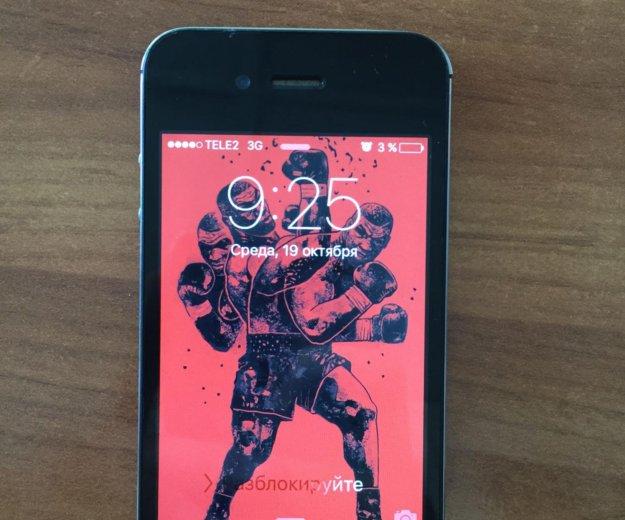 Iphone4s. Фото 1.