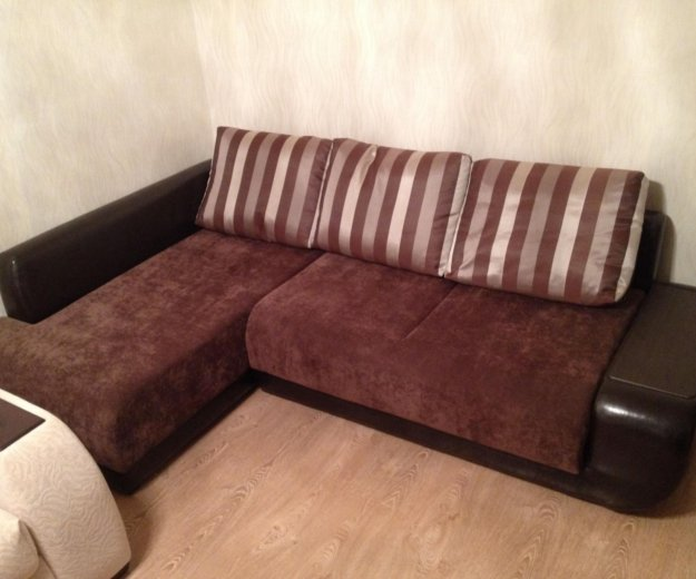 Угловой диван. Фото 1.