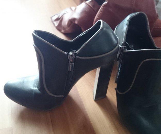 Обувь 4 пары. Фото 1.