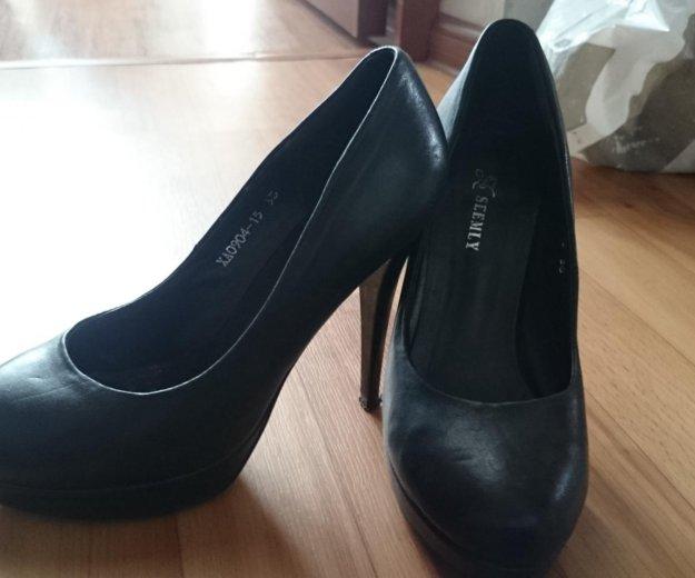 Обувь 4 пары. Фото 4.