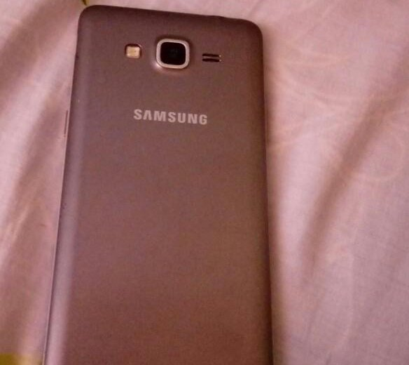 Телефон samsung galaxy grand prime. Фото 1.