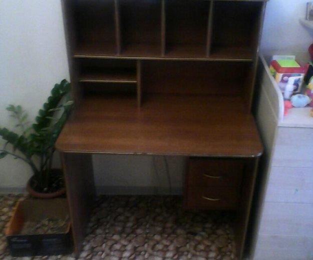 Письменный стол. Фото 2.