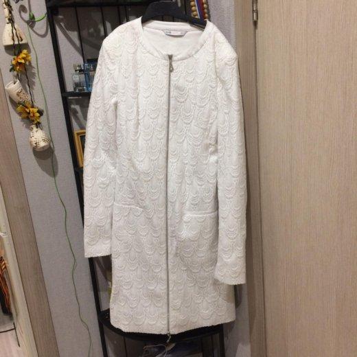 Белое пальто оджи размер 38(наш 44) примерка!. Фото 3. Москва.