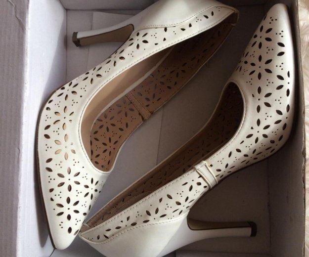 Туфли белые. Фото 1. Красноярск.