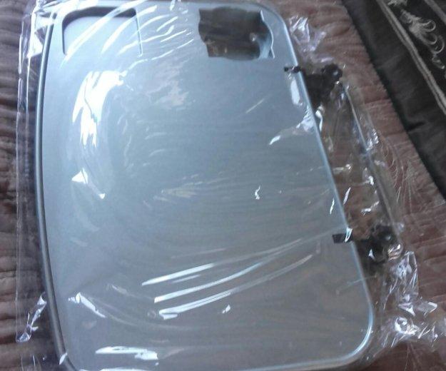 Многофункциональный автомобильный столик. Фото 1.