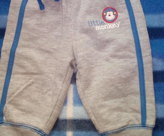 Джинсы и спортивные штаны. Фото 1. Уфа.