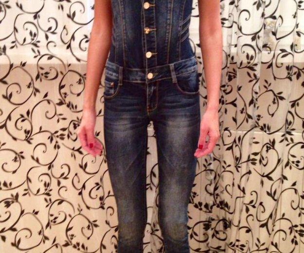 Дизайнерский джинсовый комбинезон из италии. Фото 2. Москва.