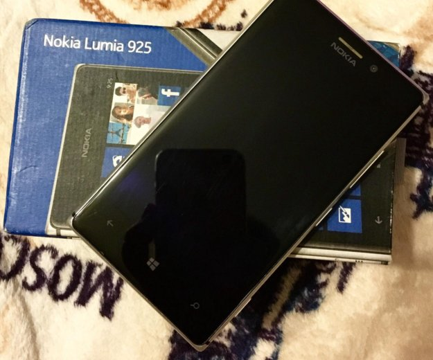 Nokia lumia 925. Фото 1.