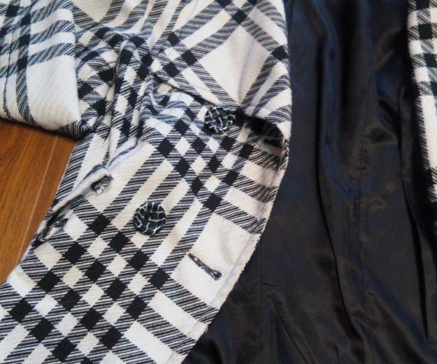 Короткое пальто. Фото 1. Челябинск.