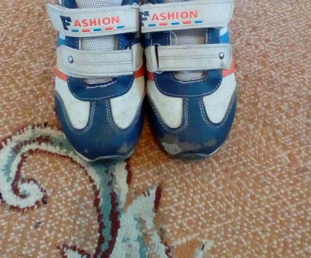 Кроссовки,сандали. Фото 2. Сургут.