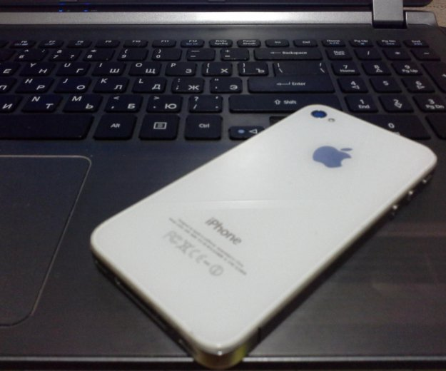 Iphone 4 32gb. Фото 2.