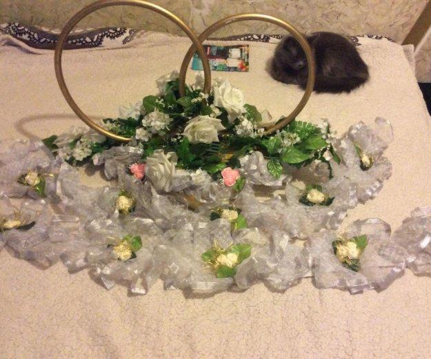 Свадебное украшение и кольца. Фото 3.
