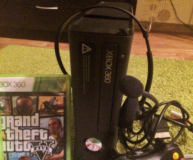 Xbox 360, 2 геймпада, игры, гарнитура. Фото 4.