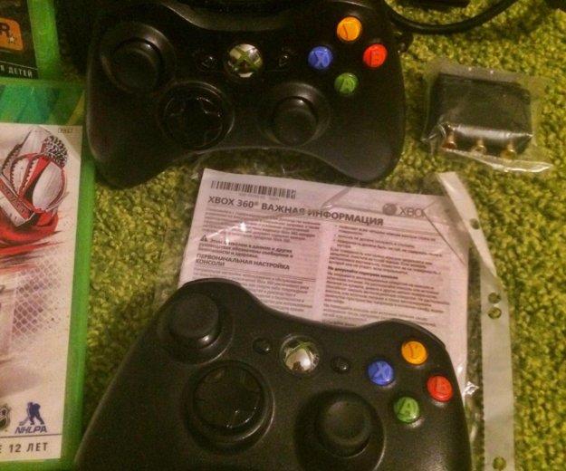 Xbox 360, 2 геймпада, игры, гарнитура. Фото 3.