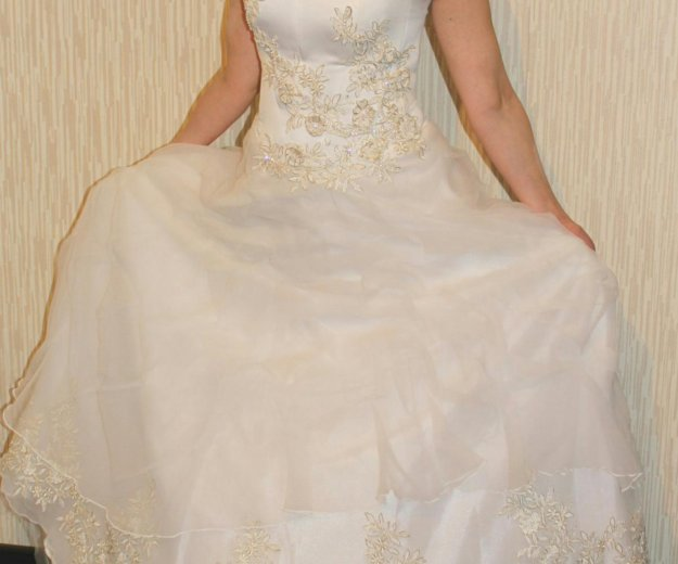 Свадебное платье. Фото 1. Кимры.